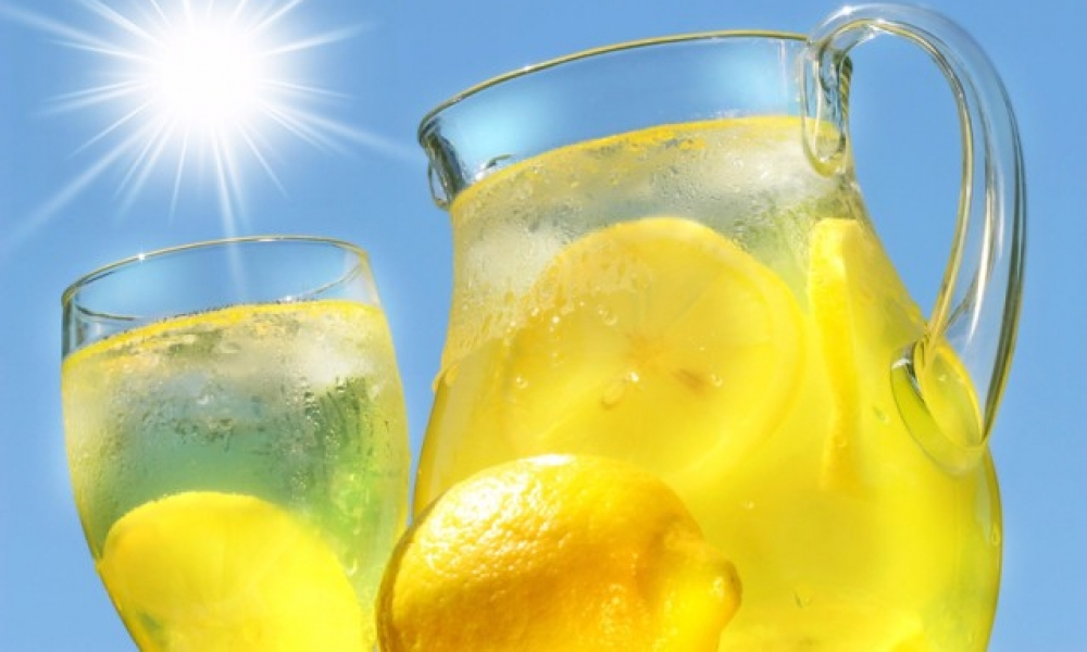 Suyunuza 1 Dilim Limon Atmak İçin 10 Şahane Sebep!